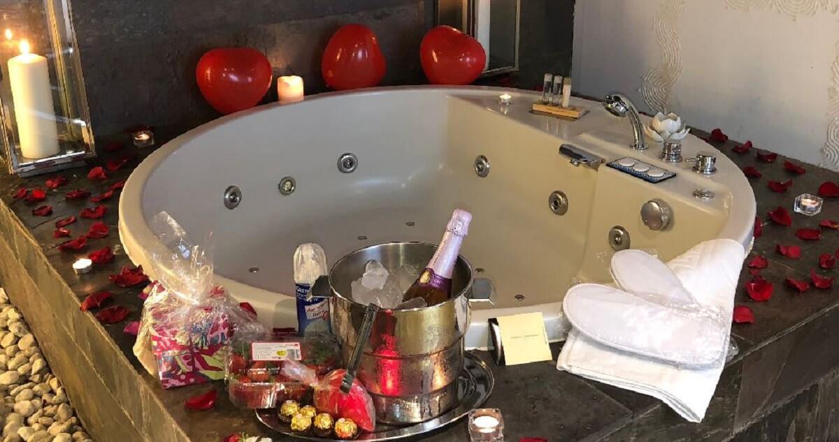 Hotel Alaia jacuzzi